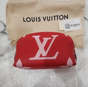 Louis Vuitton giant pouch rouge
